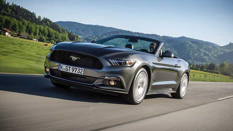Ford Mustang Cabrio: Ohne Brabbelgeräusche zur Eisdiele