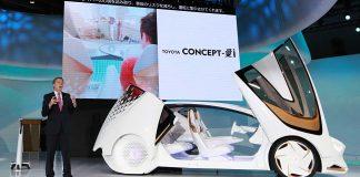 Toyota-Vizepräsident Didier Leroy präsentiert die Studie Concept-i