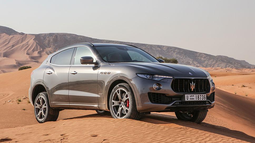 Auch der kleinste Maserati Levante bewältigt die Pfade abseits des Asphalts