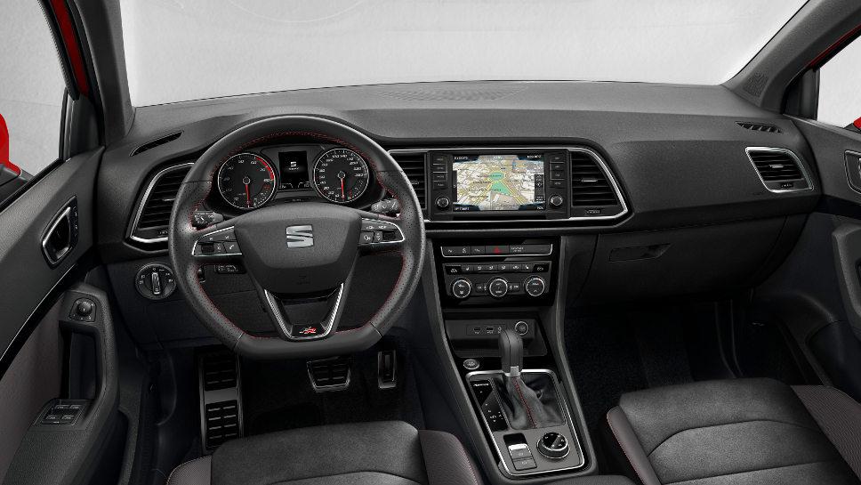 Das Cockpit des Seat Ateca FR.