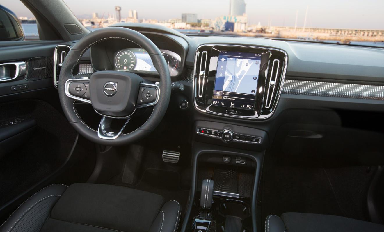 Cockpit des Volvo XC40. Foto: Volvo
