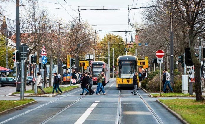 Straßenbahn in Dresden. Foto: ADAC