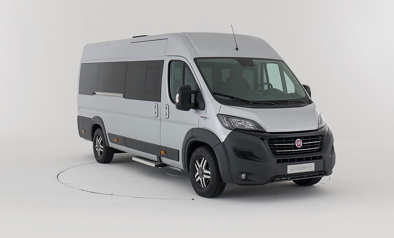 fiat ducato als minibus f r 17 personen. Black Bedroom Furniture Sets. Home Design Ideas