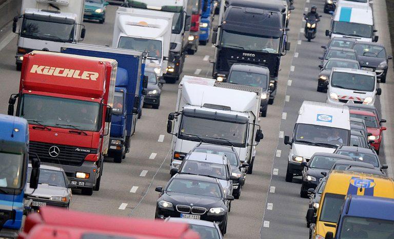 Autofahrer vor «heißesten Stauwochenende» des Jahres