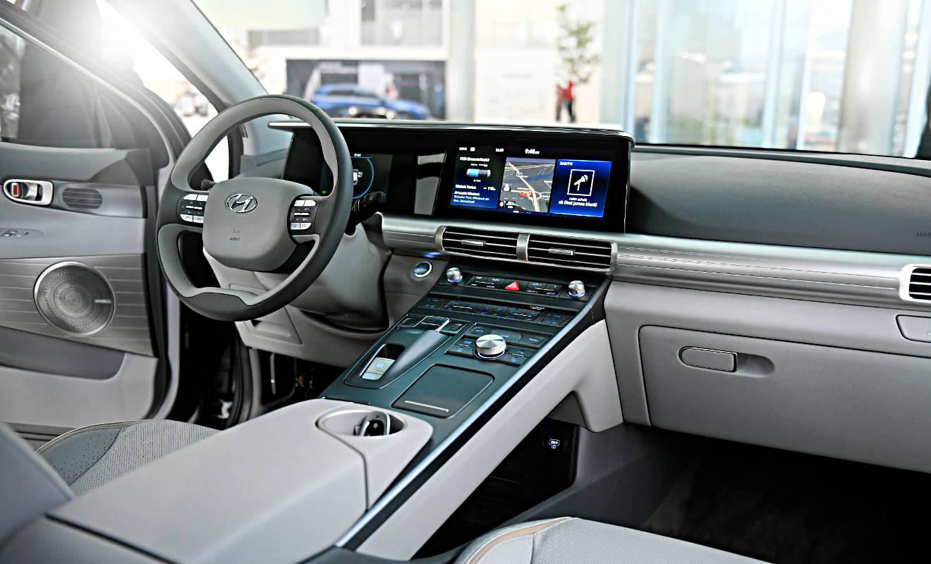 Das Cockpit des Nexo von Hyundai.