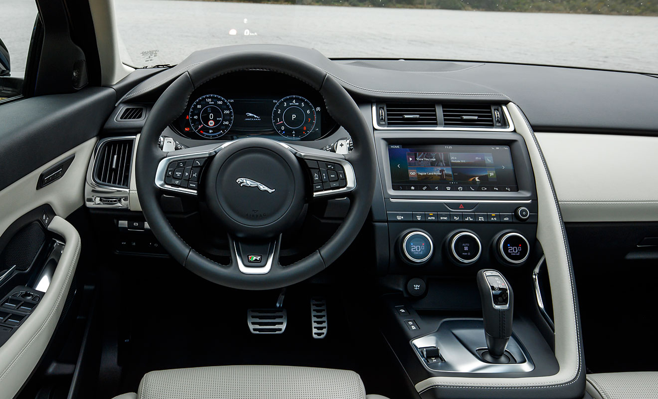 Das Cockpit des E-Pace. Foto: Jaguar