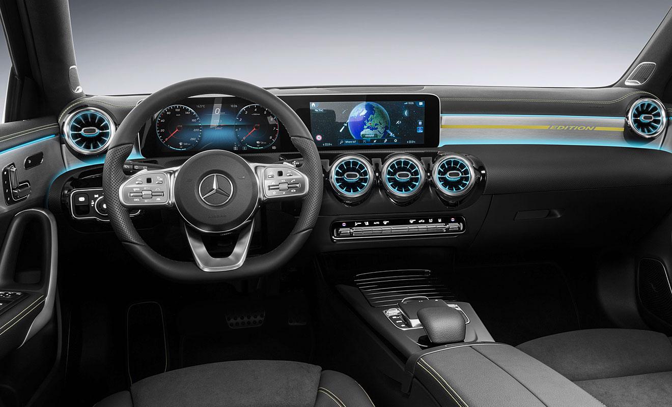 Das neue Cockpit der A-Klasse. Foto: Mercedes
