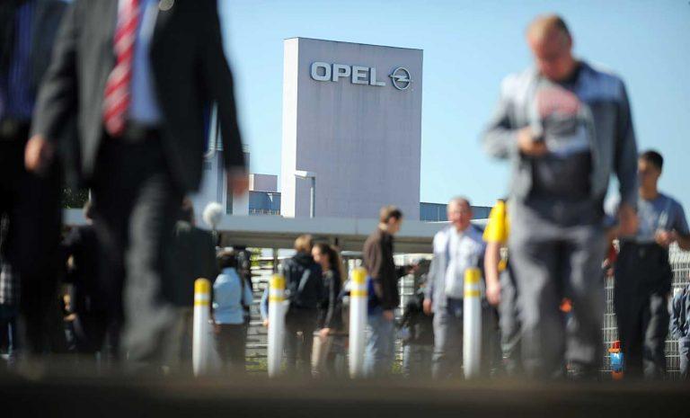 Opel-Arbeiter verlangen Zusagen für deutsche Standorte