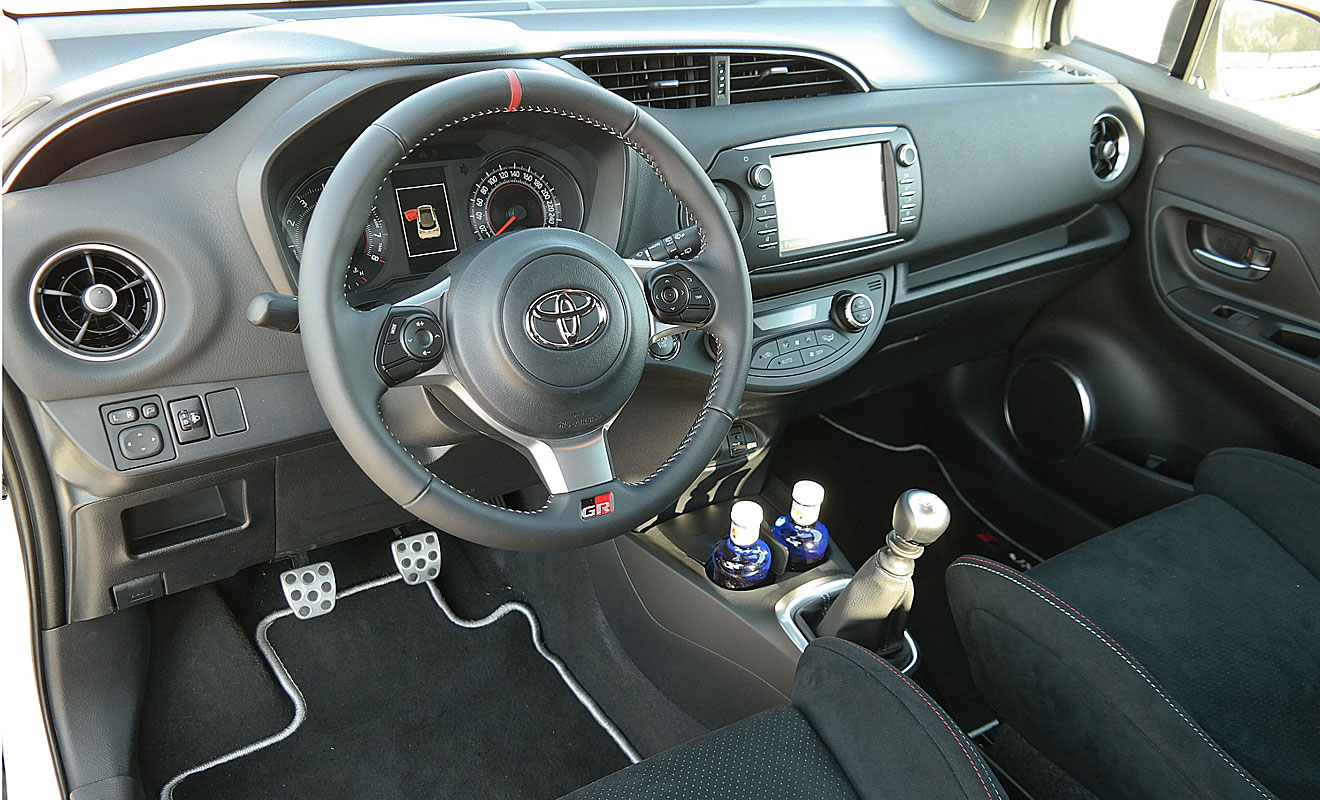 Das Cockpit des Yaris GRMN. Foto: Toyota