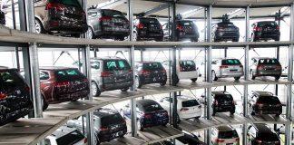 Der Volkswagen-Konzern bleibt wohl größter Autohersteller weltweit. Foto: dpa