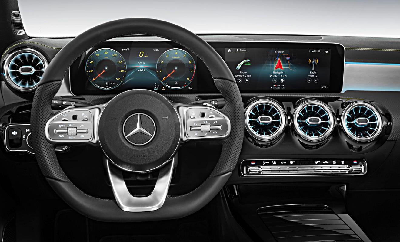 Cockpit Mercedes A-Klasse. Foto: Daimler