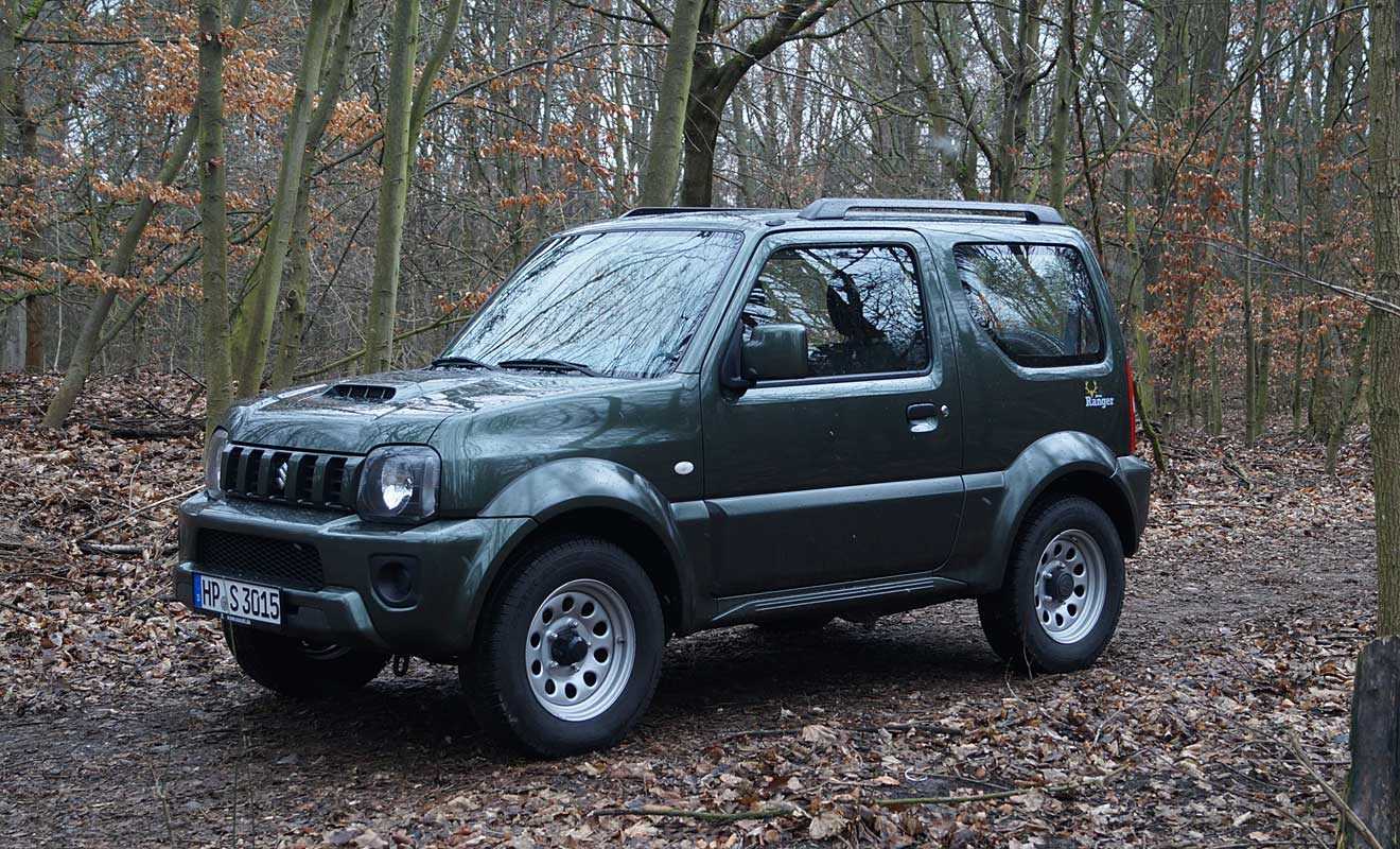 suzuki jimny ranger wenn der f rster zum halali bl st. Black Bedroom Furniture Sets. Home Design Ideas