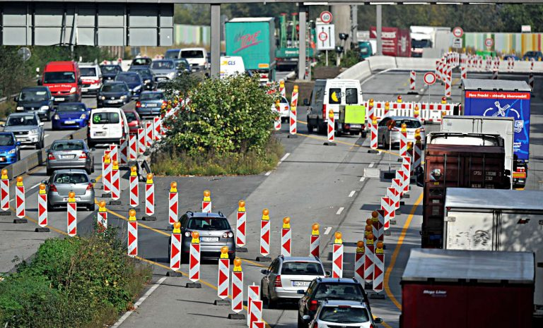 Staugefahr durch 800 Autobahnbaustellen