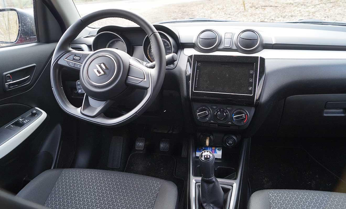 Das Cockpit des Suzuki Swift. Foto: AG/Flehmer