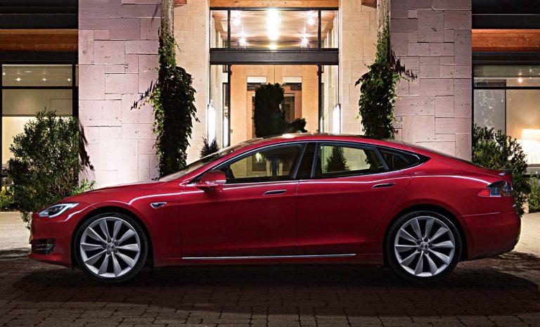 Tesla ruft weltweit 123.000 Model S zurück