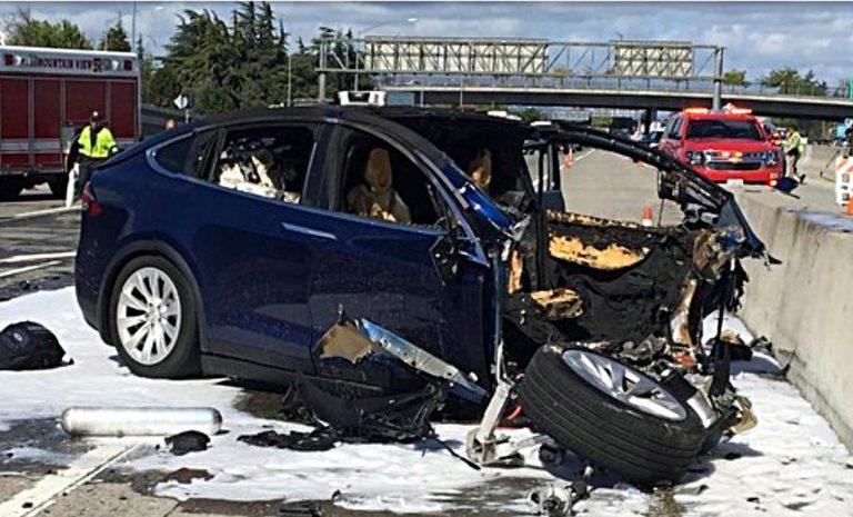 Tesla streitet sich mit Verkehrssicherheitsbehörde