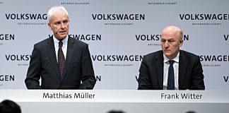 Matthias Müller (l.) und Finanzvorstand Frank Witter. Foto: dpa