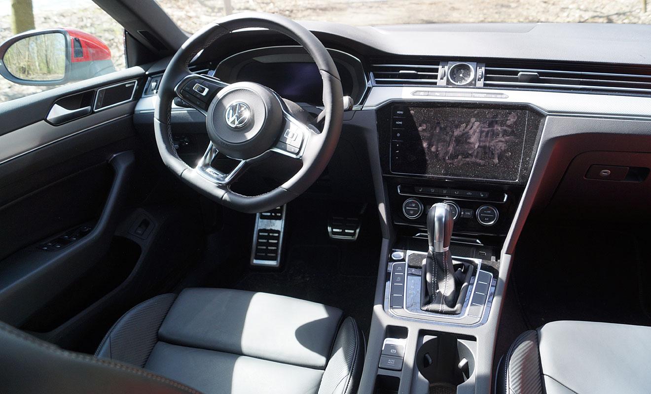 Das Cockpit des VW Arteon. Foto: AG/Flehmer