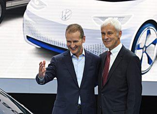 Herbert Diess und Matthias Müller (r.). Foto: dpa