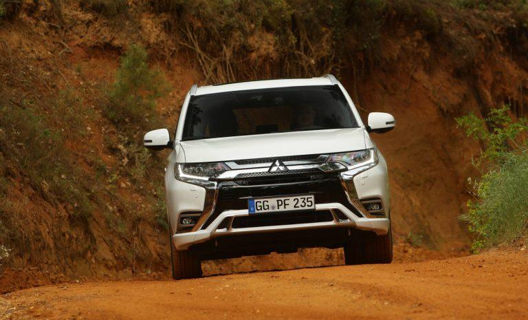 Mitsubishi Outlander PHEV: Schneller dank neuer Zellen