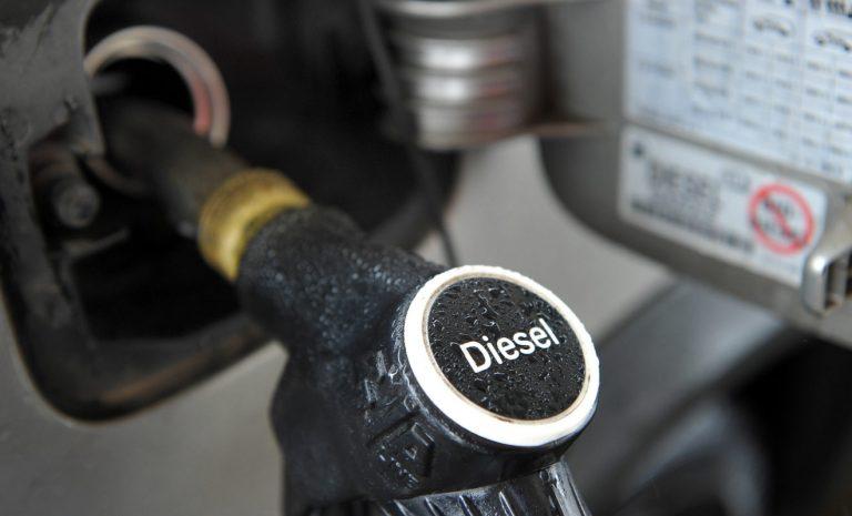 Teure Fahrt an Tankstelle: Kraftstoffpreise ziehen weiter an