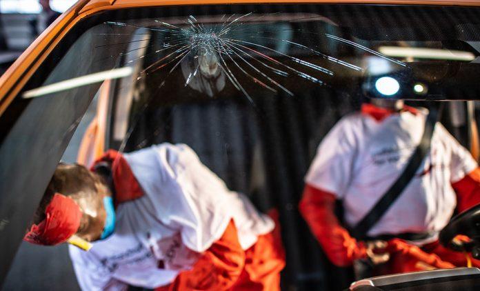 Crashtest bei Gurtmuffeln. Foto: dpa