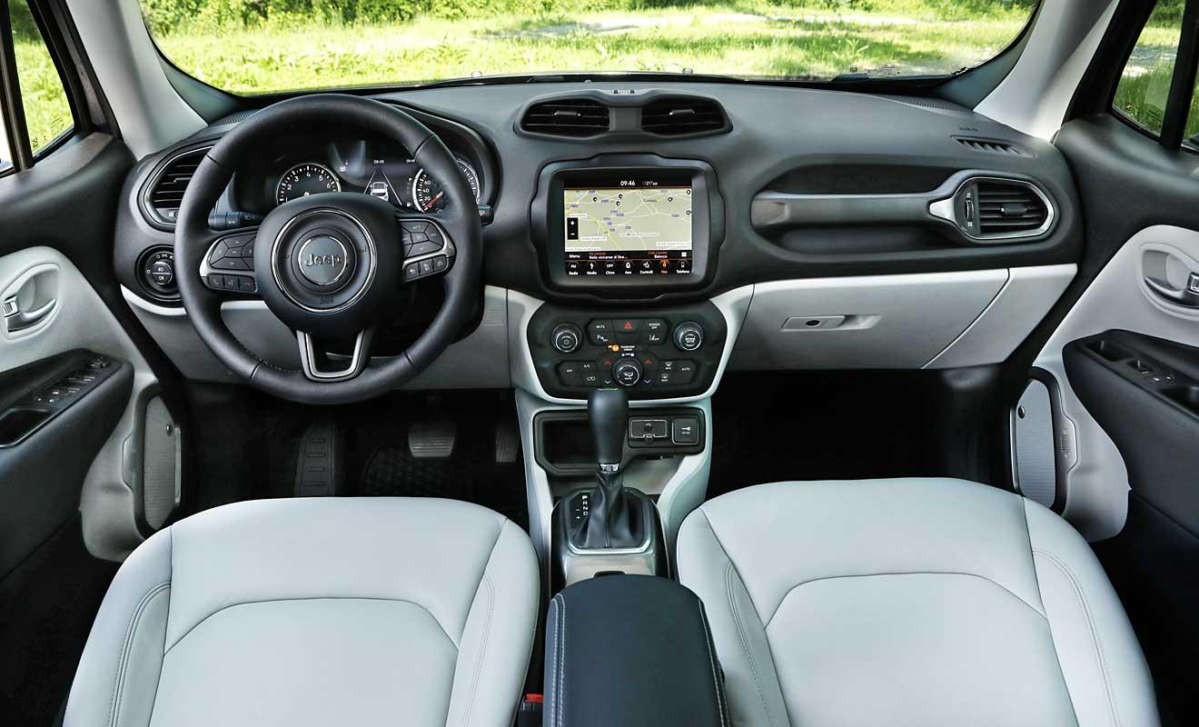 Das Cockpit des Renegade. Foto: Jeep