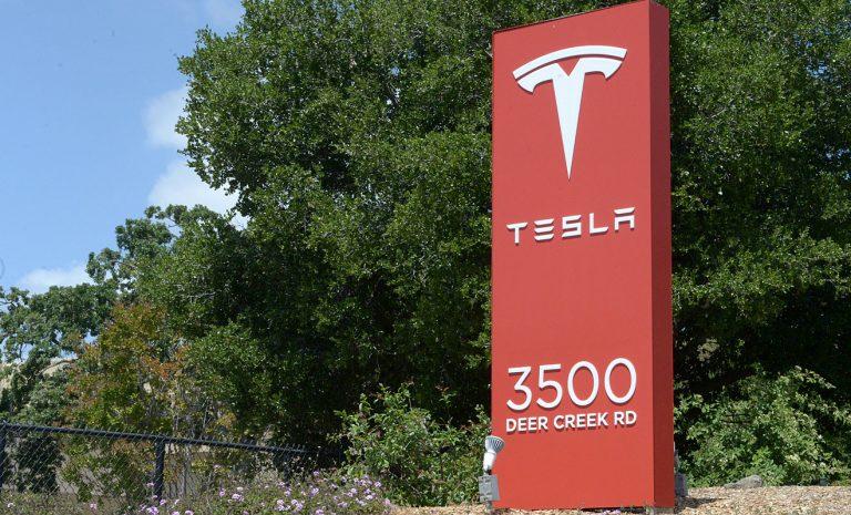 Verklagter Tesla-Mitarbeiter sieht sich als Whistleblower
