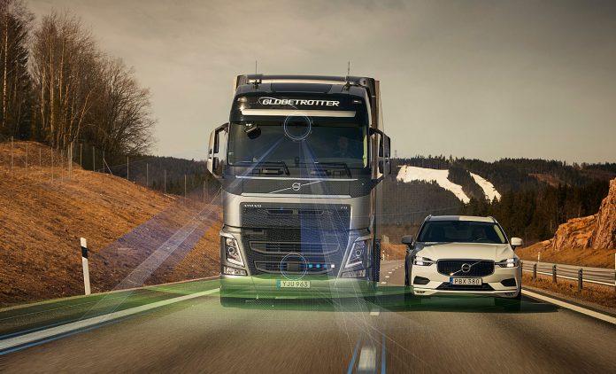 Ein Volvo-Lkw
