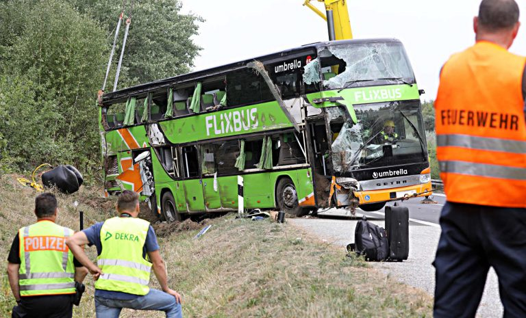 ADAC nach Unfall auf A19: Fernbusse sind sicher