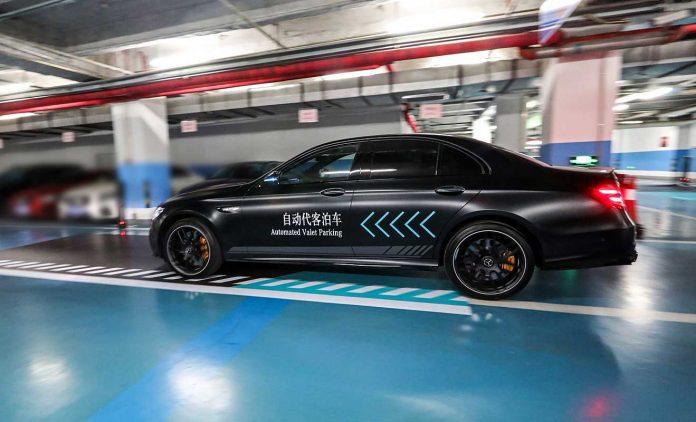 Daimler und Bosch parken autonom ein. Foto: Daimler