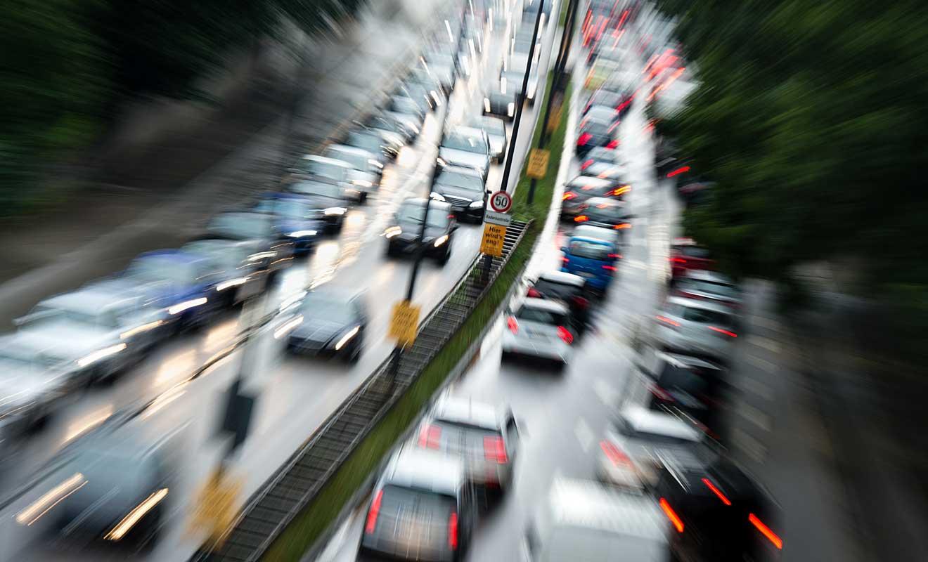 Stau auf der Autobahn. Foto: dpa