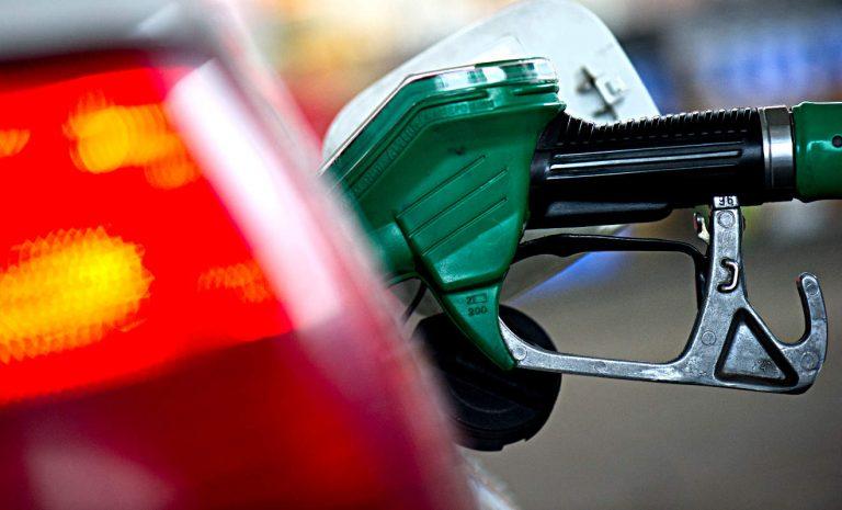 Spritpreise sinken zum Jahresende deutlich