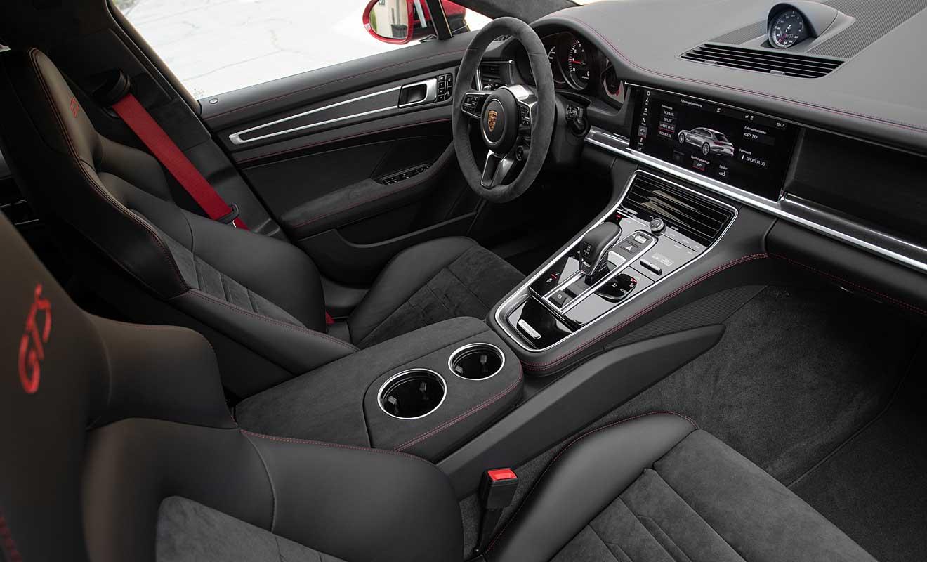 Das Cockpit des Panamera GTS. Foto: Porsche