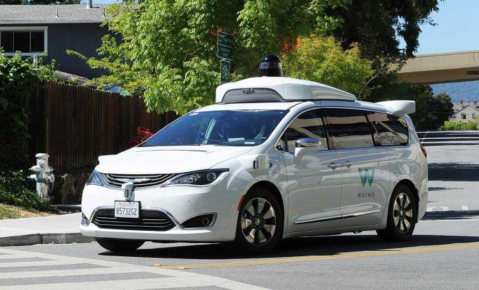 Waymo darf ohne Sicherheitsfahrer in Kalifornien fahren. Foto: dpa