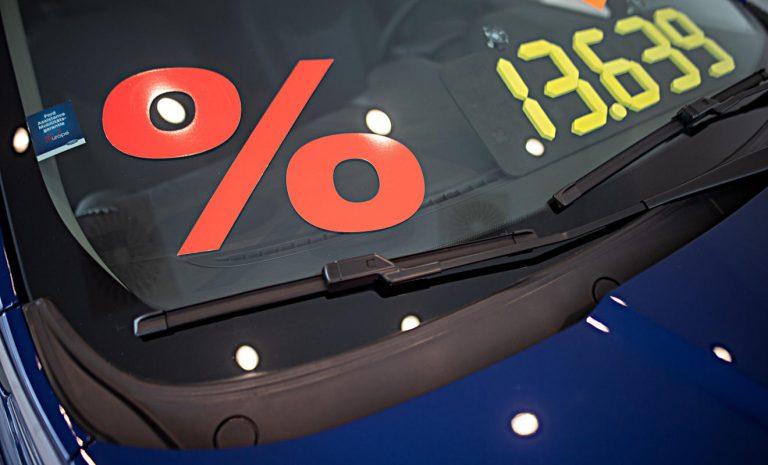 Autokauf online: Preis muss sofort erkennbar sein