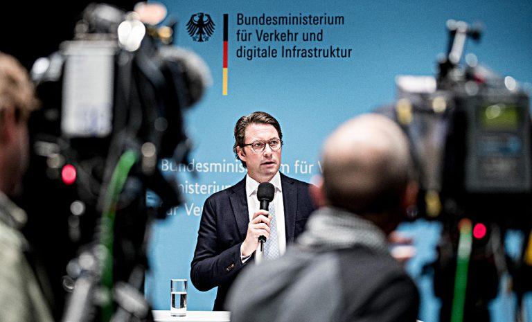 Bundesverkehrsminister Scheuer lehnt Tempolimit ab