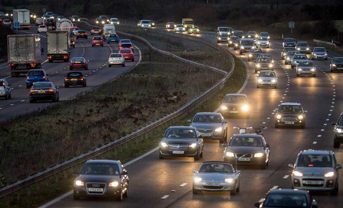 Die Autobahn M5 bei Somerset. Foto: dpa