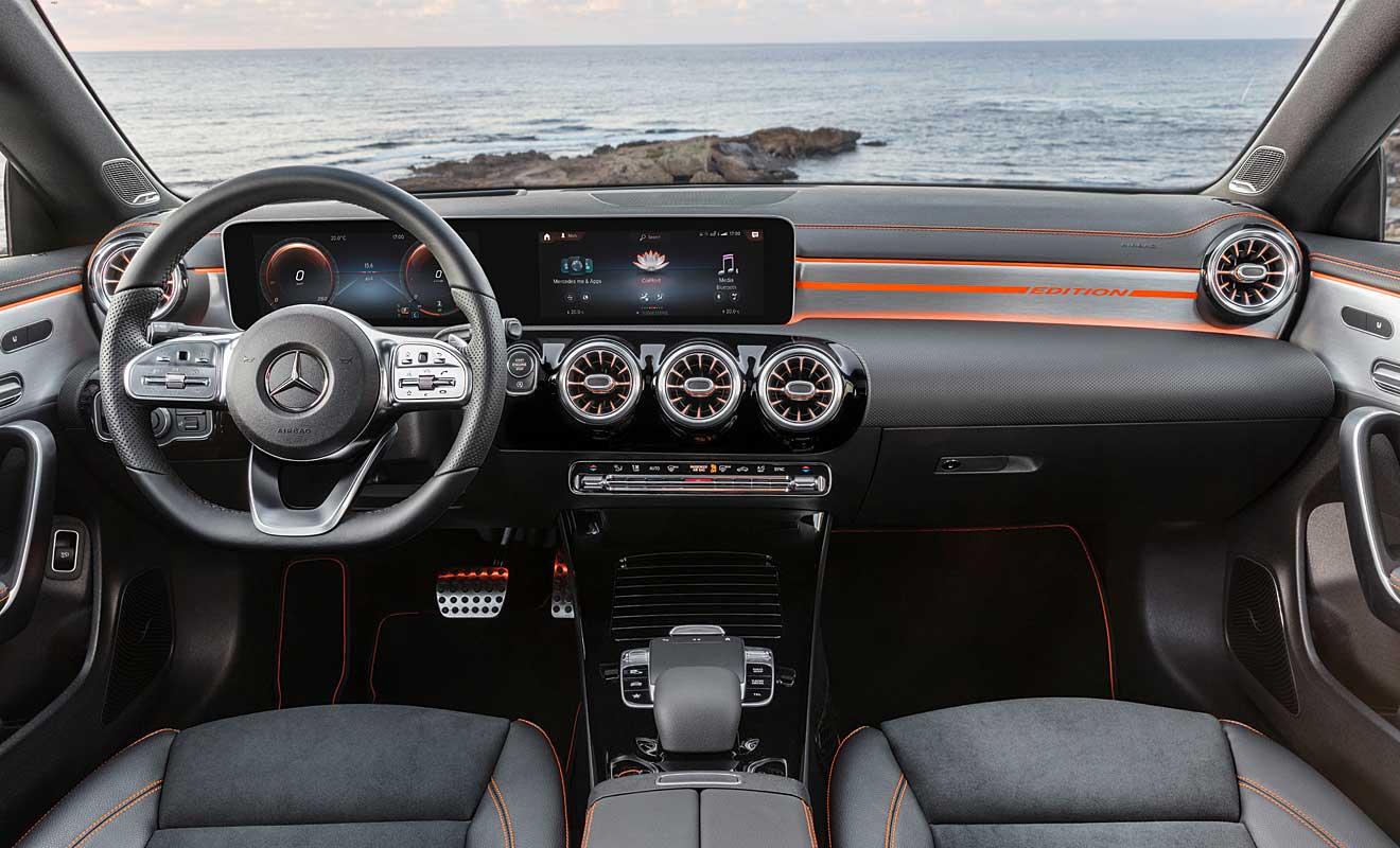Das Cockpit des CLA. Foto: Mercedes