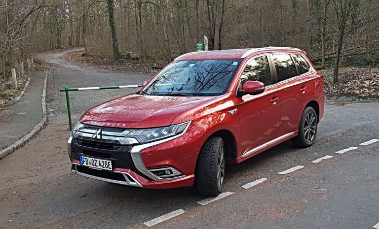 Mitsubishi Outlander PHEV: Ein SUV, das piept
