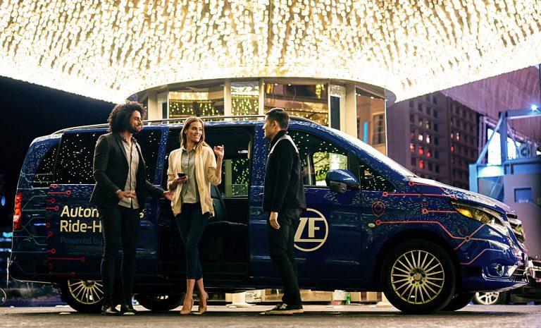 Im Robo-Taxi von ZF durch die Stadt