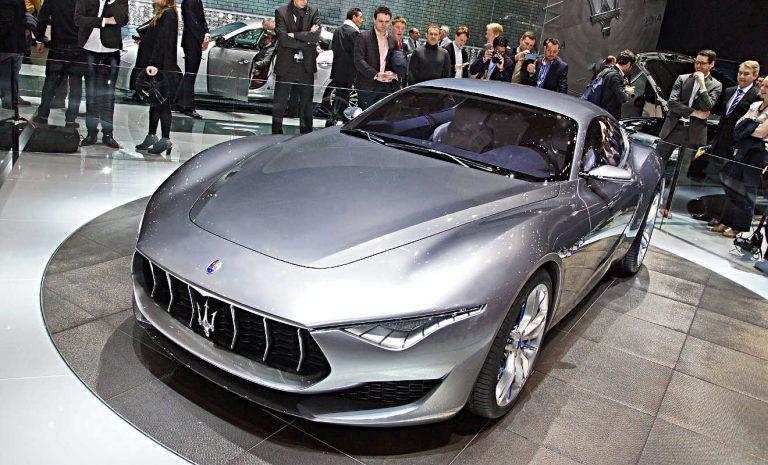 Maserati startet mit Plug-in-Hybrid in E-Mobilität
