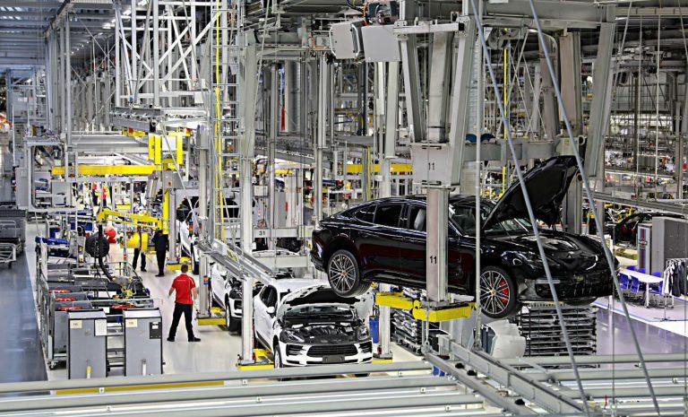 Autogipfel: Autobranche darf auf Hilfen hoffen
