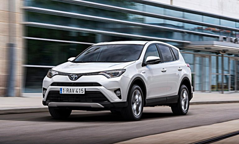 Umfrage: Hybride bei Autokäufern immer beliebter