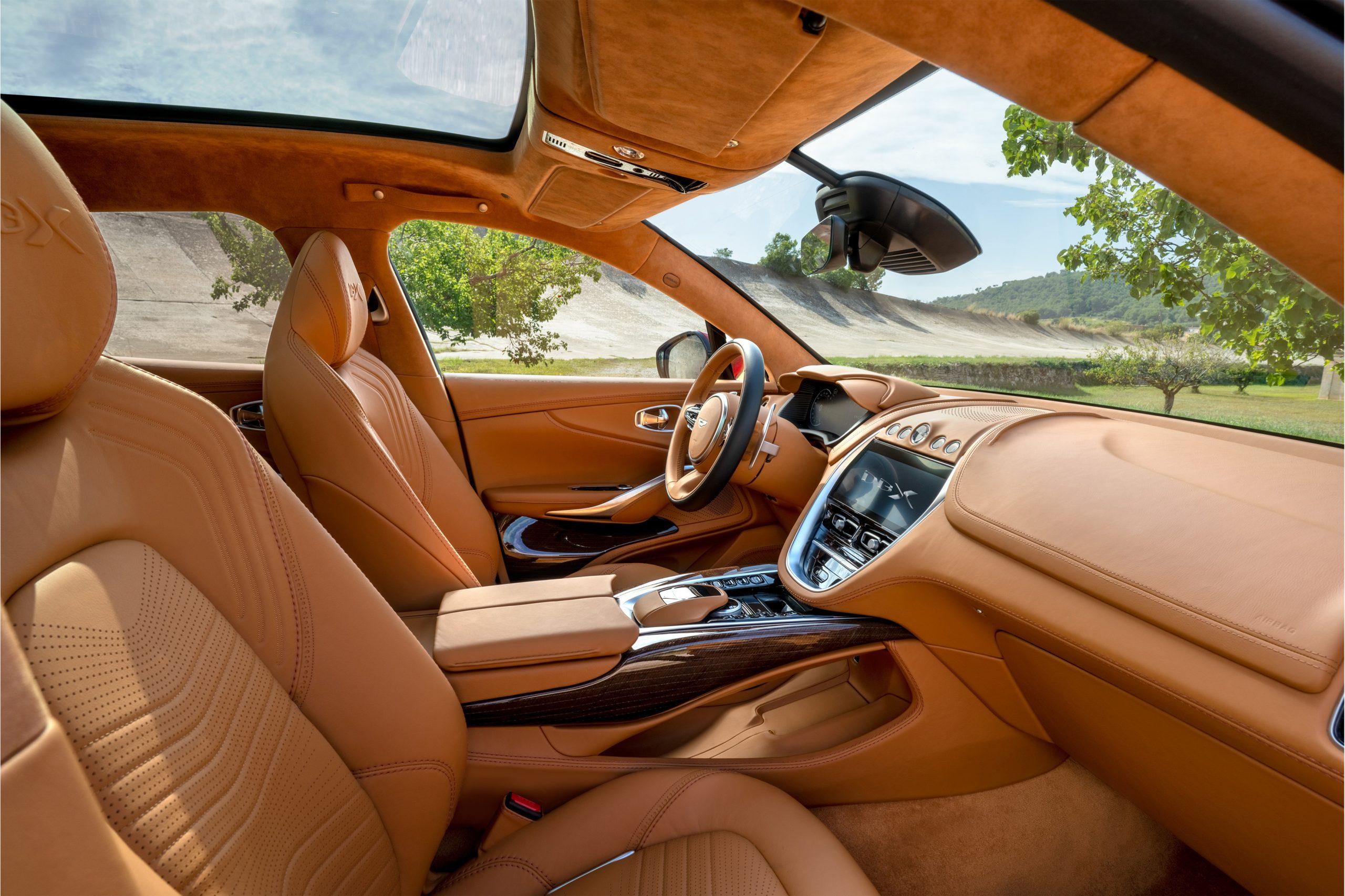 Aston Martin Dbx Debüt Im Dreck Autogazette De