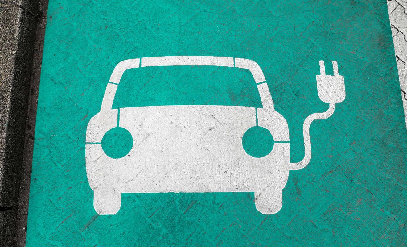 Ein Parkplätz für Elektroautos