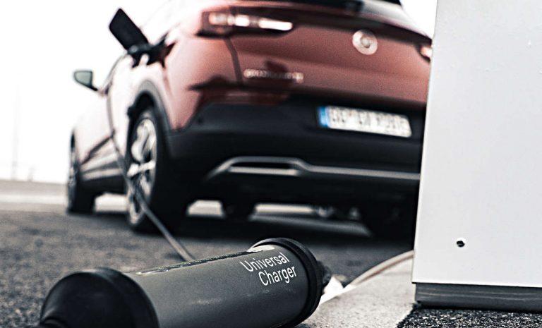 Elektroautos: Vom Universal Charger bis zur Wallbox