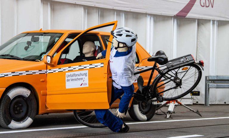 Dooring-Phänomen: Ernste Gefahr für Radfahrer