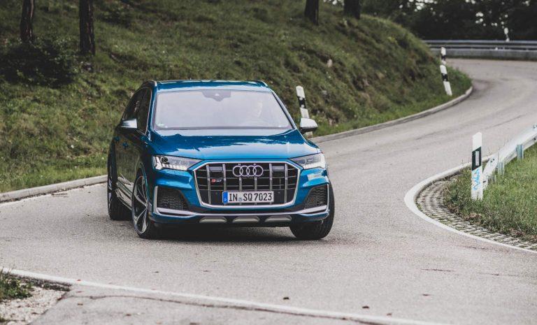 Audi SQ7: Ein Dickschiff tänzelt durch die Kurven