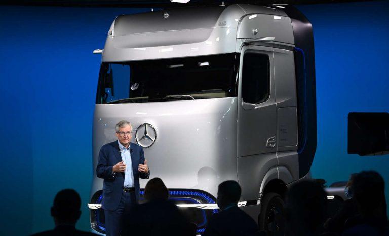 Daimler Trucks setzt auf Batterie und Brennstoffzelle